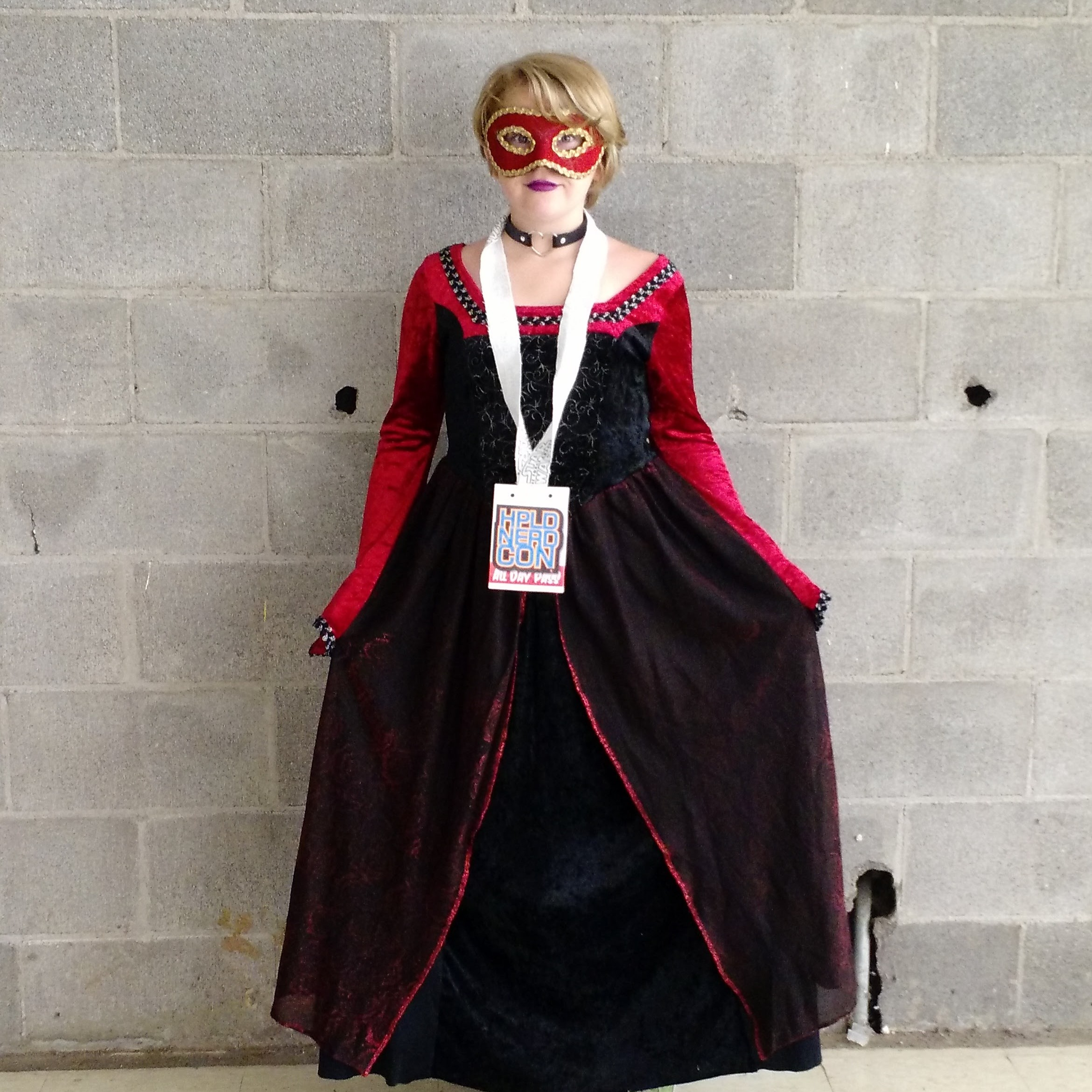A cosplayer at the con.